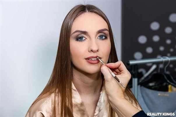Luscious Lena Reif