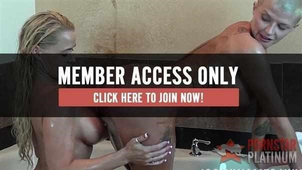 Joslyn James In Tub Fun With Savannah Steele!