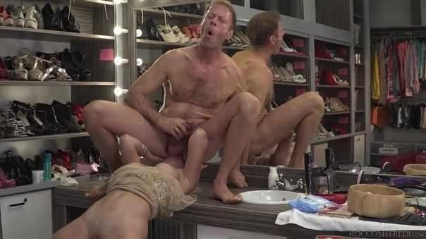 Boss Bitch Elen Dominates Anal 3Way